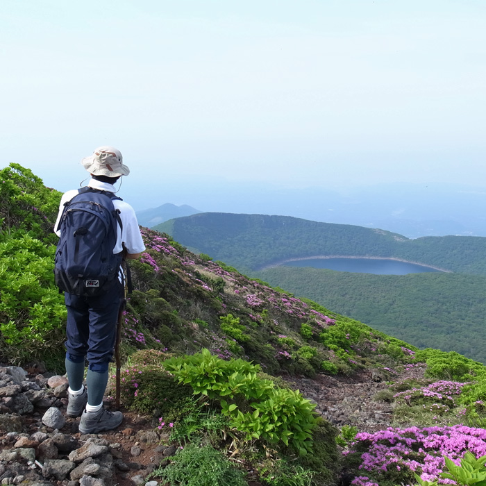 6月7日 韓国岳(Karakunidake) 前半_c0049299_2029282.jpg