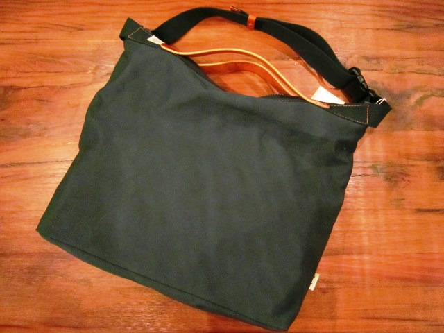 "SLOW ""KONBU SERIES ROLL UP BAG\"" ご紹介_f0191324_9101651.jpg"