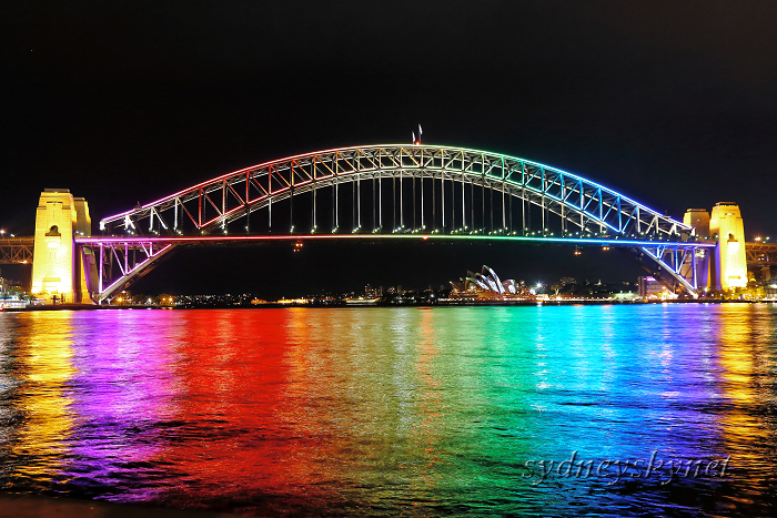 vivid sydney 2013 ~8~ harbour bridge 01_f0084337_20442037.jpg