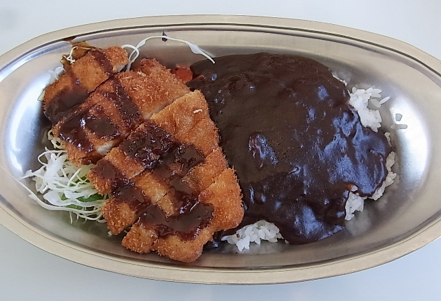 純銀鍋でいただく加賀名店のすき焼き_a0138976_18553372.jpg