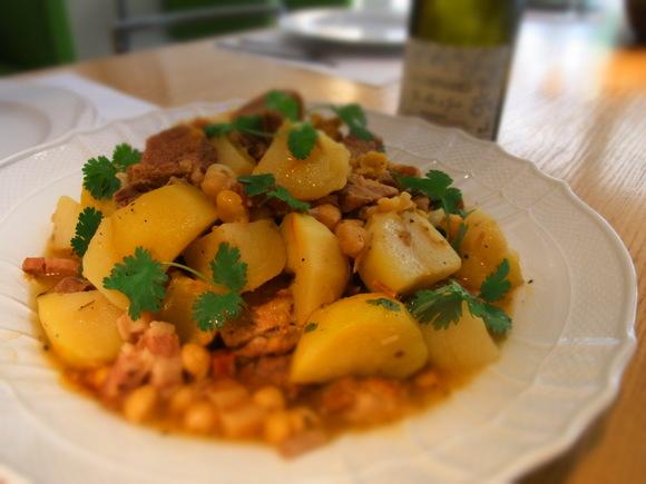 6月の料理教室 テーマは「旬の欧風料理でおもてなし」            (記:藤本 洋子)_a0195310_0254490.jpg