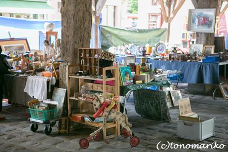 15世紀の市場で蚤の市_c0024345_732817.jpg