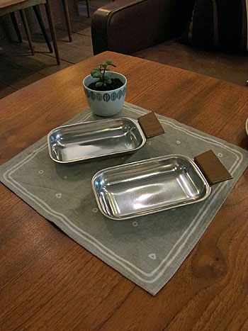 stainless tray_c0139773_16313388.jpg