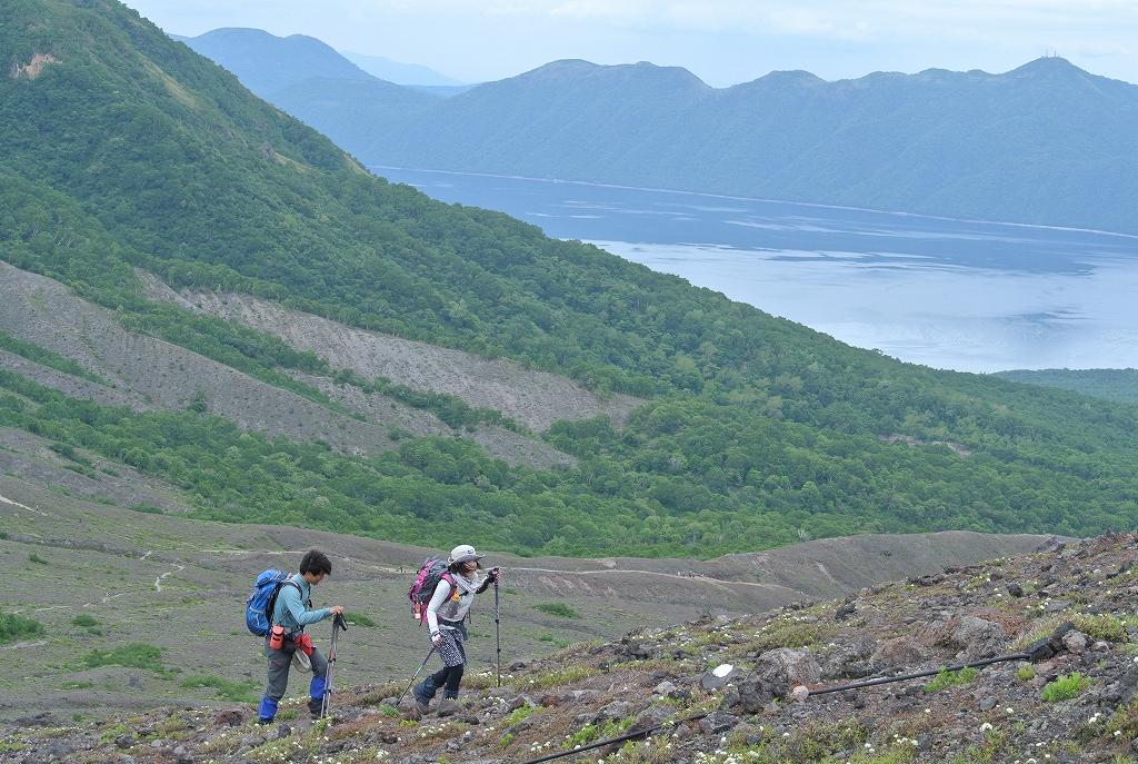 6月16日、風不死岳と樽前山_f0138096_18391634.jpg