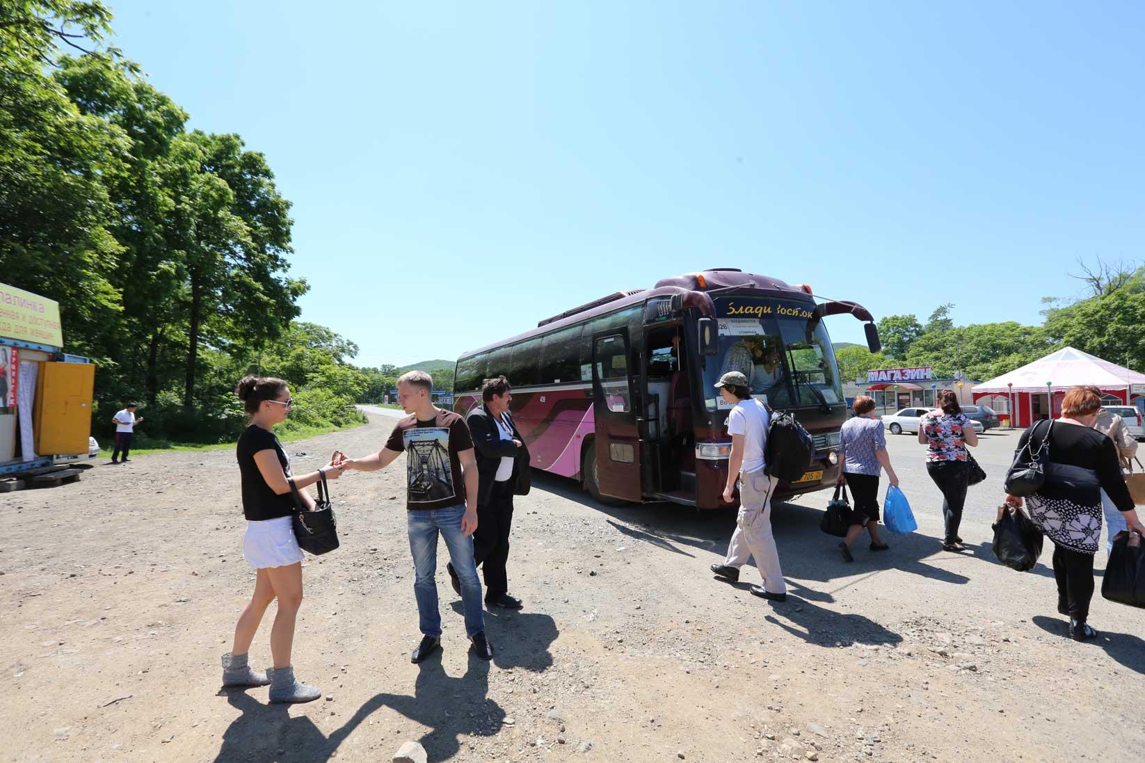 国境を越えるとこんなに風景が違うのか!?【中国からバスで行くウラジオストク(後編)】_b0235153_1850537.jpg