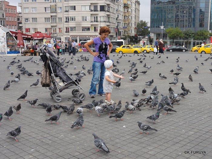 トルコ旅行記 42 イスタンブール タクシム広場_a0092659_224821100.jpg