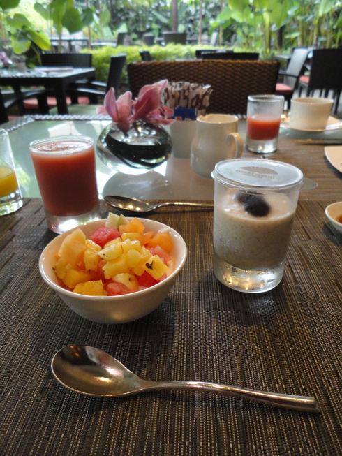 大好き♪シンガポール旅行 その6 マンダリンオリエンタルの朝食_f0054260_15592188.jpg