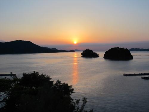 伊勢神宮を参拝する朝、昇る太陽のエネルギーを浴び、心身を清める・・・4_c0075701_19103455.jpg