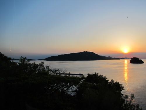 伊勢神宮を参拝する朝、昇る太陽のエネルギーを浴び、心身を清める・・・5_c0075701_19354272.jpg