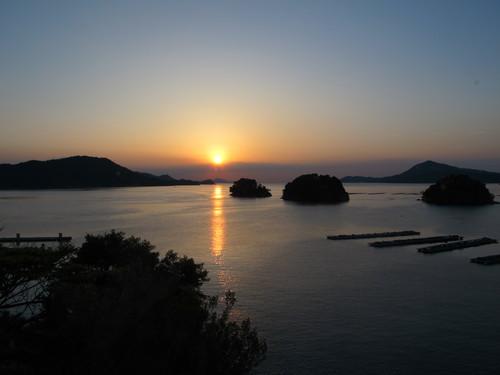 伊勢神宮を参拝する朝、昇る太陽のエネルギーを浴び、心身を清める・・・5_c0075701_1935463.jpg