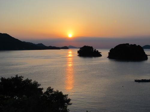 伊勢神宮を参拝する朝、昇る太陽のエネルギーを浴び、心身を清める・・・5_c0075701_19355524.jpg