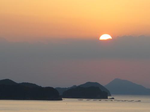 伊勢神宮を参拝する朝、昇る太陽のエネルギーを浴び、心身を清める・・・2_c0075701_6191444.jpg
