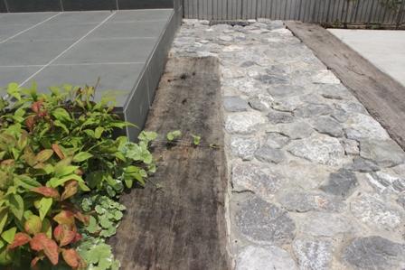 長期優良&そよ風「市川の家」植栽と割栗石を使ったアプローチ_f0170331_16585399.jpg