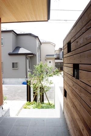 長期優良&そよ風「市川の家」植栽と割栗石を使ったアプローチ_f0170331_16591466.jpg