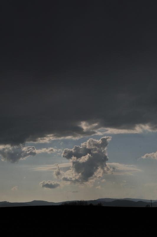 初夏の嵐_f0050534_1733196.jpg