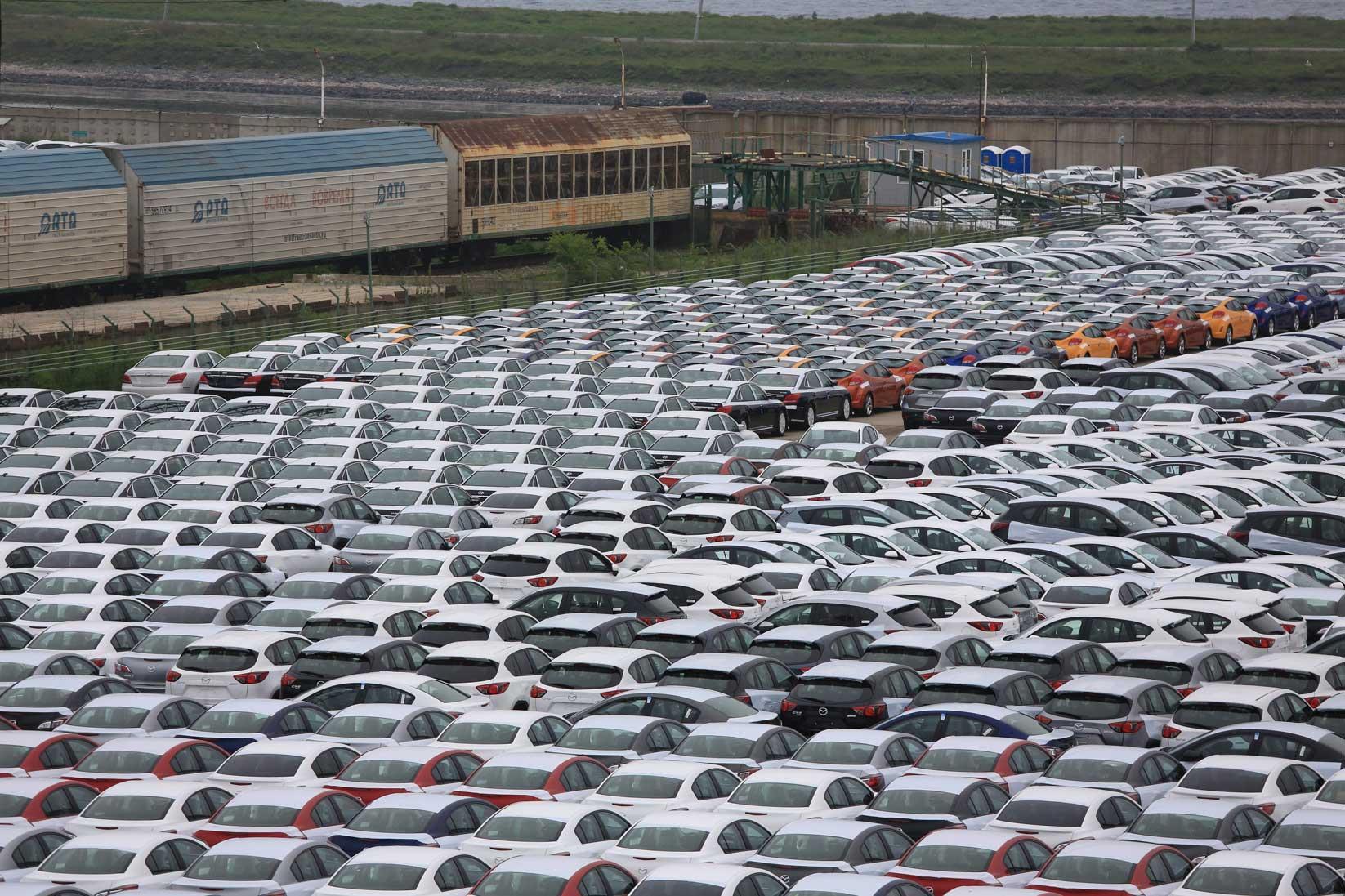 極東ロシアの田舎町をドライブする~数千台の日本車積替と渤海の港_b0235153_10311868.jpg