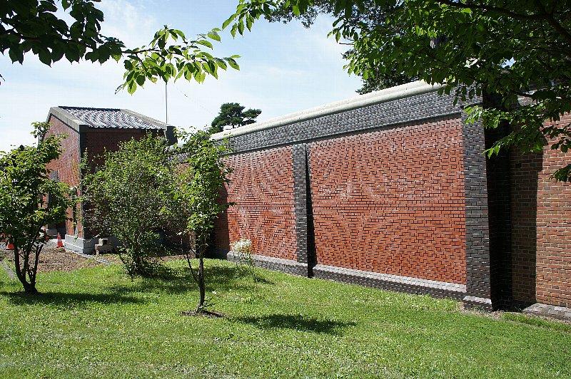 博物館網走監獄 正門と囲壁_c0112559_1363975.jpg