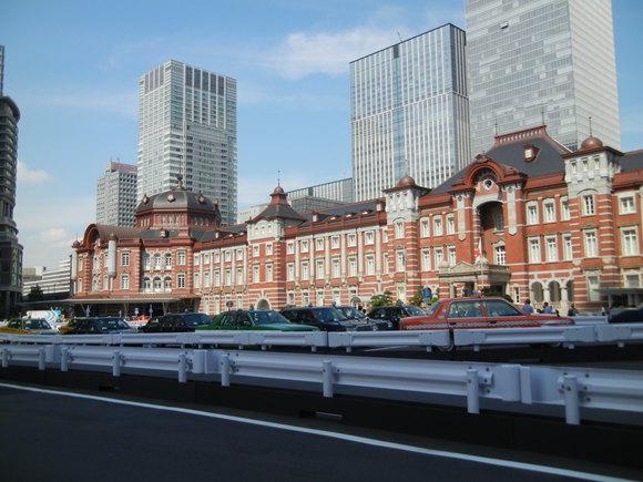 '13,6,18(火)一年ぶりの再会と東京駅舎見物!_f0060461_15313789.jpg