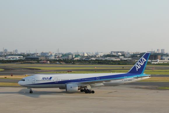 ANA ご当地プレーン 伊丹空港ITMにて_d0202264_45509.jpg