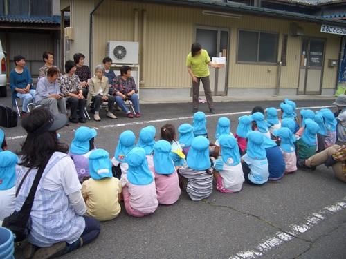 幼稚園、保育園の園児が種まきをしてくれました!_c0238069_1224031.jpg