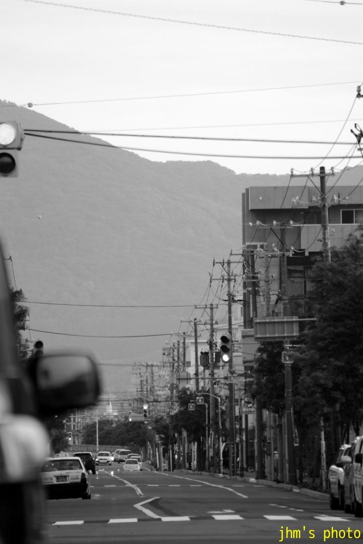 高砂通り(母なる山へ帰る道)_a0158797_1242596.jpg