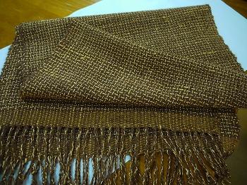 手紡ぎ糸とタイシルクで・・・・_e0221708_21282840.jpg