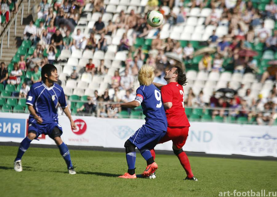 Art football in Rosia 2013_c0063445_233388.jpg