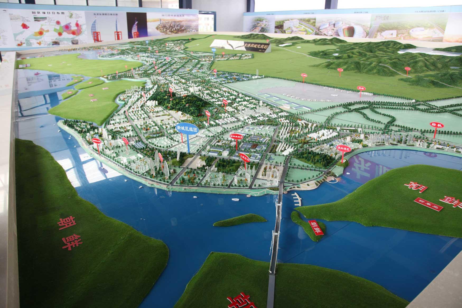 中国の地方開発はどこでもこんな感じです(まちづくりの観念は欠落。不動産販売が優先)_b0235153_17412643.jpg