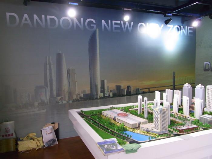 中国の地方開発はどこでもこんな感じです(まちづくりの観念は欠落。不動産販売が優先)_b0235153_17415073.jpg