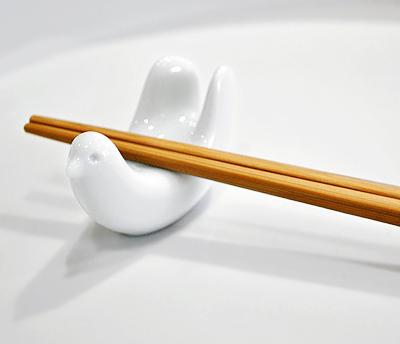 とりの箸置き&楊枝入れ / 白山陶器_d0193211_18153550.jpg