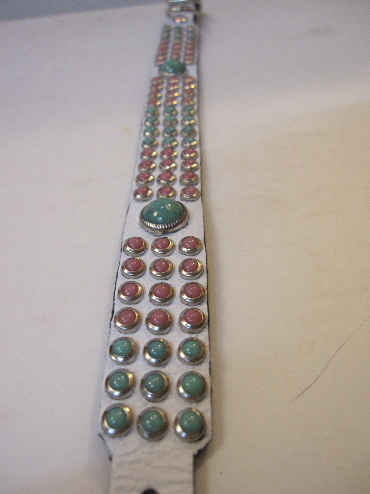 RN Design Laurel Collar Napa pink & Tribal Collar in White_c0151934_23395416.jpg