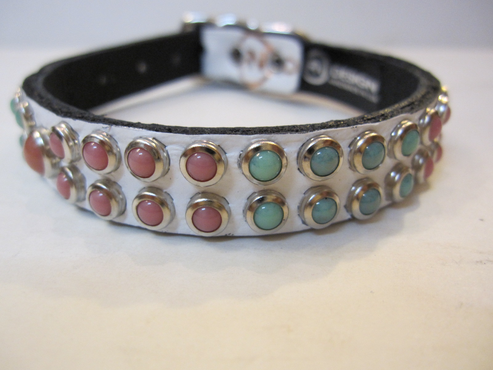 RN Design Laurel Collar Napa pink & Tribal Collar in White_c0151934_23401374.jpg