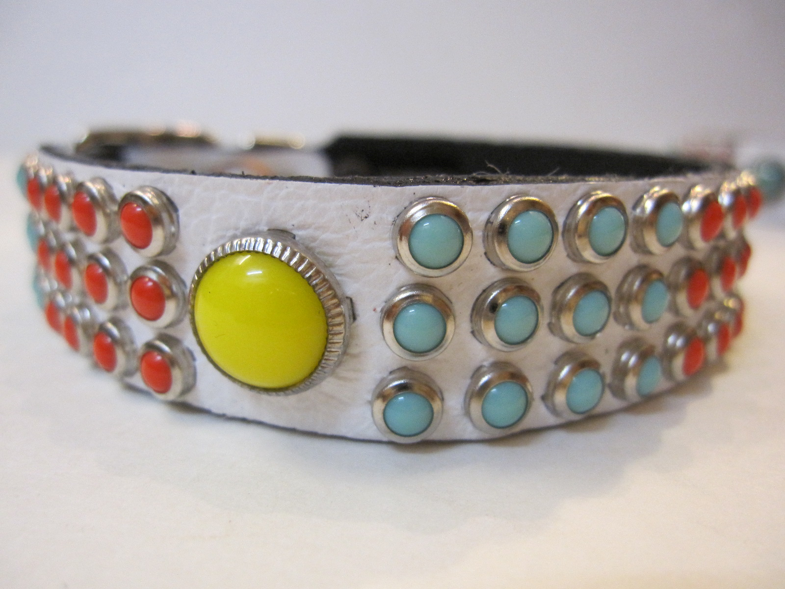 RN Design Laurel Collar Napa pink & Tribal Collar in White_c0151934_23401796.jpg