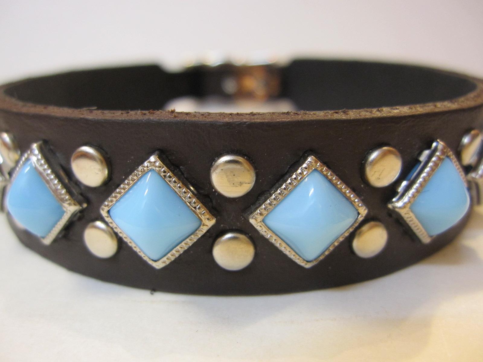 RN Design Laurel Collar Napa pink & Tribal Collar in White_c0151934_2346062.jpg