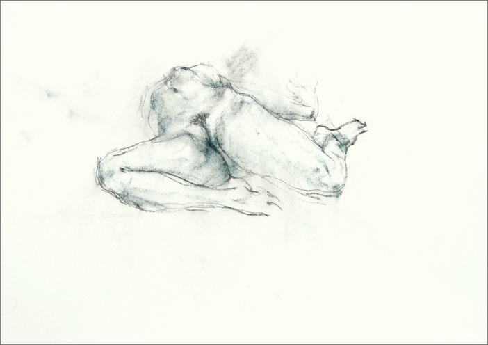 《 裸婦素描 ・・・ 膝を折り両手を伸ばし仰向くポーズ その Ⅲ 》  _f0159856_985338.jpg