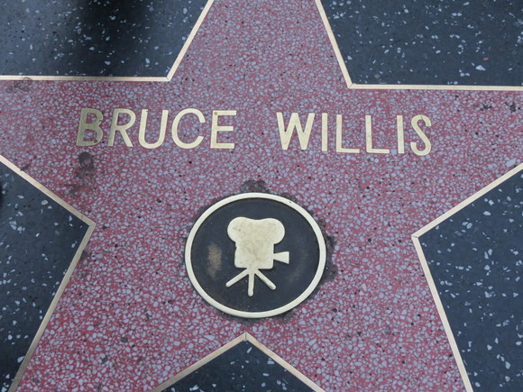 130624 歩道に刻まれた俳優の名前を探して歩く・・・・・♪_d0288367_1630122.jpg