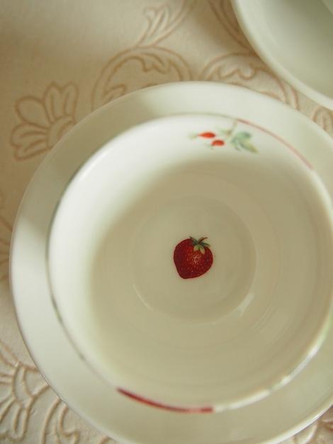 いちごの季節 ストロベリー柄_a0230197_1229121.jpg