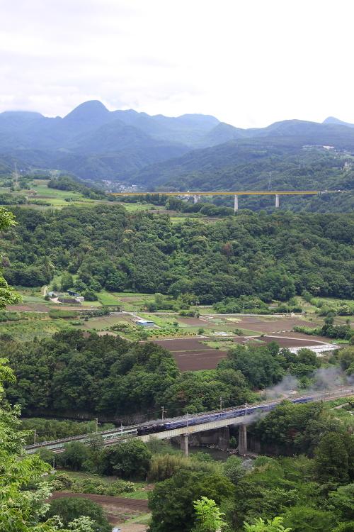津久田鉄橋と赤城山 - 2013年初夏・上越線 -  _b0190710_2103433.jpg