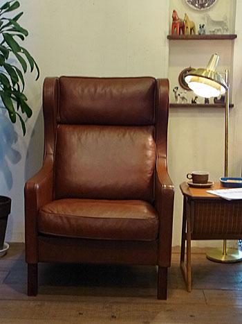 wingback chair _c0139773_196377.jpg