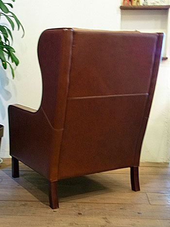 wingback chair _c0139773_1964068.jpg