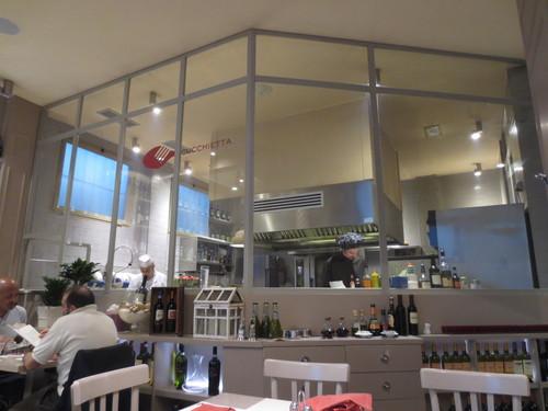 地元レストランのご紹介ーCUCCHIETTA-- CURE地区_c0179785_626395.jpg