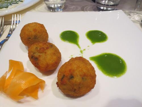 地元レストランのご紹介ーCUCCHIETTA-- CURE地区_c0179785_6292691.jpg