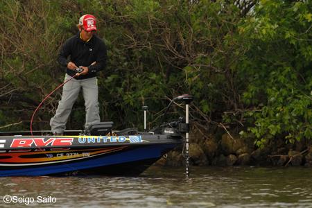 Bassmaster Elite Series #6 Mississippi River, WI 2日目_a0097491_852240.jpg