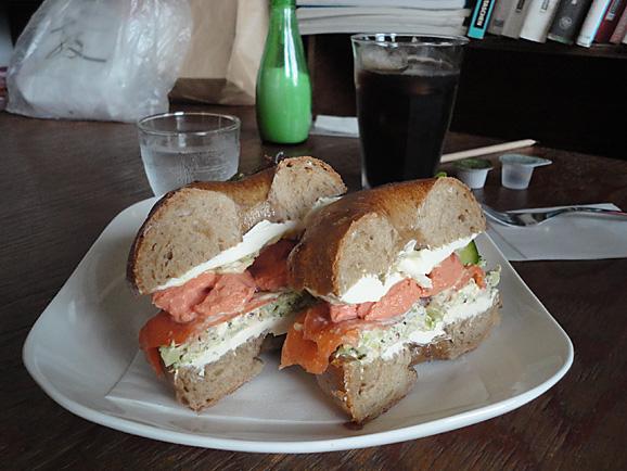 月1 ポム・ド・テールのカフェ@+cafe_e0230011_16472173.jpg