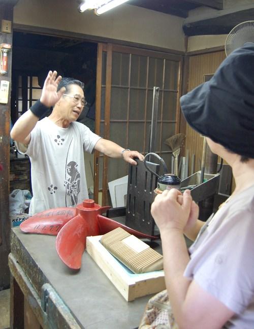 アートさんぽ[鋳物の街で工場見学]を開催しました!_c0222139_1739445.jpg