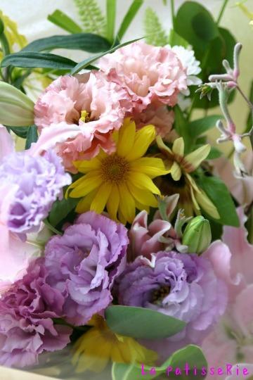 お花が届きました。_d0183440_1755385.jpg