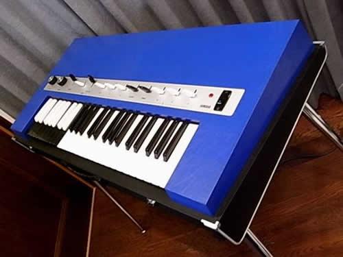 Yamaha YC-10 ivory & blue_e0045459_012361.jpg