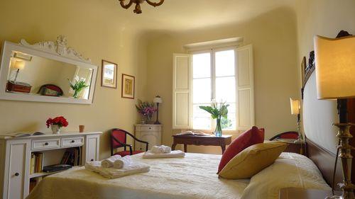 最近、ここのアパートが人気です!!ーフィレンツェアパート滞在_c0179785_1730866.jpg