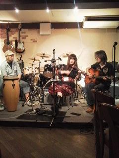 カラフルRainy Season Live@ZOEのライブレポ!_e0188087_22102520.jpg