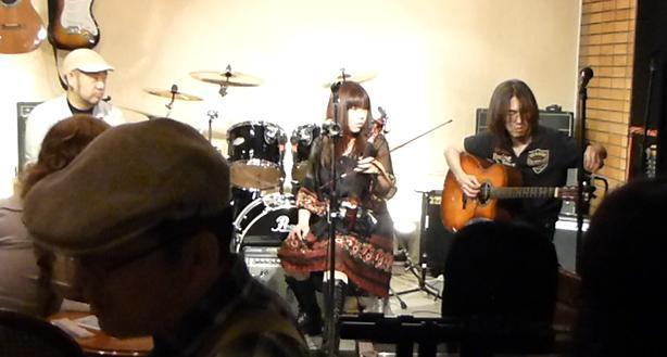 カラフルRainy Season Live@ZOEのライブレポ!_e0188087_22165149.jpg